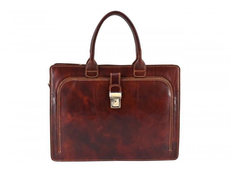 fb84b5cc85 Vyberte si kabelku v pastelové barvě. Ta zajímavě ozvláštní váš každodenní  vzhled a zároveň nebude dráždit šéfy či spolupracovníky.