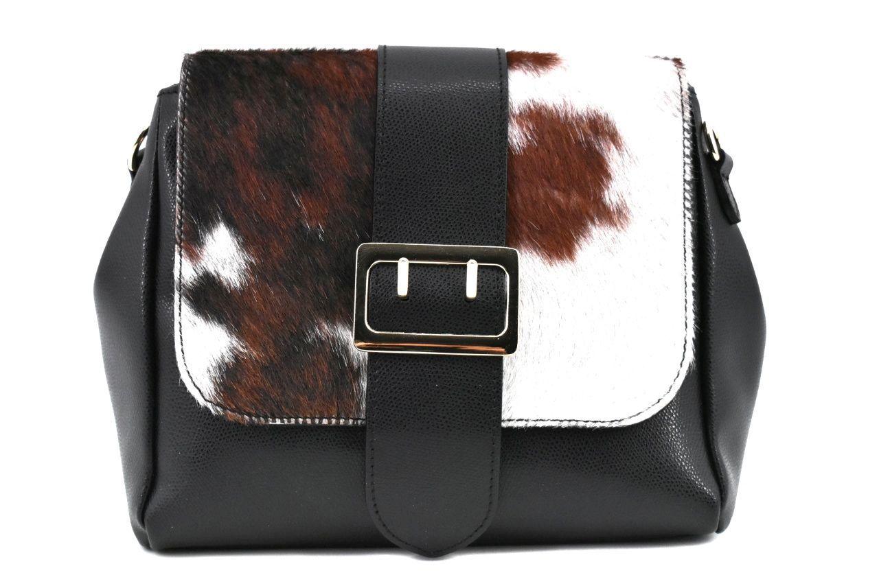 Dámská kožená kabelka s klopnou Arteddy - černá 38992