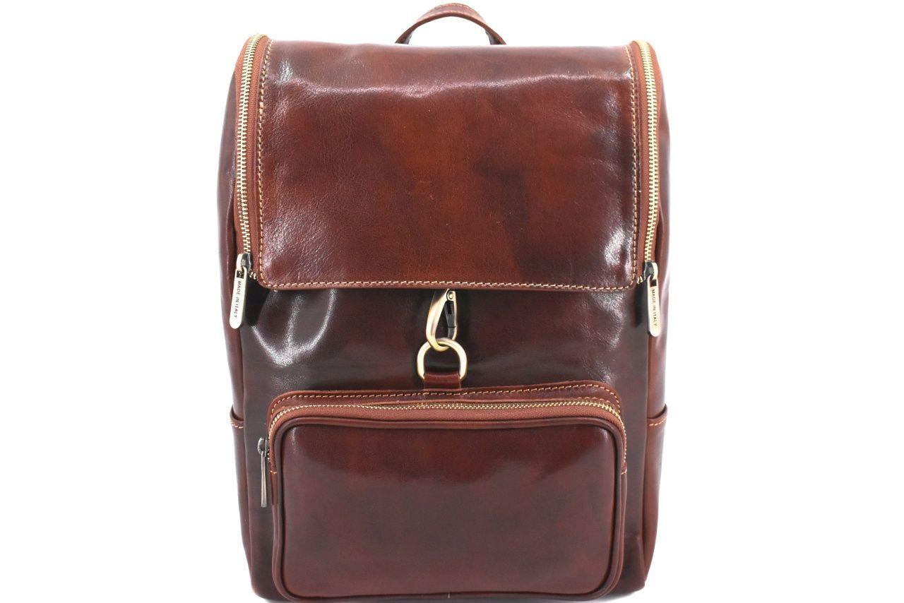 Koženy batoh s klopnou Arteddy - hnědá 39995