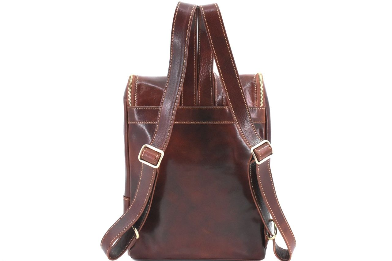 Koženy batoh s klopnou Arteddy - koňak 39995