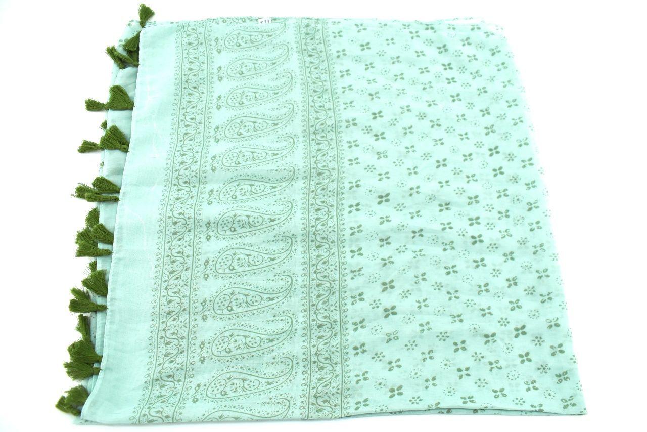 Moderní  šátek s třásněmi - světle zelená