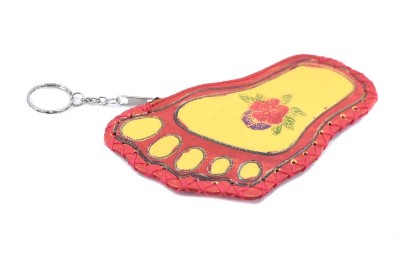 Dětská kožená klíčenka - červená