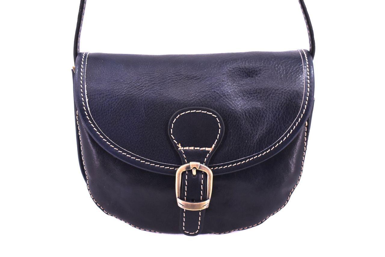 Dámská kožená crossbody kabelka s klopnou - tmavě modrá 32469