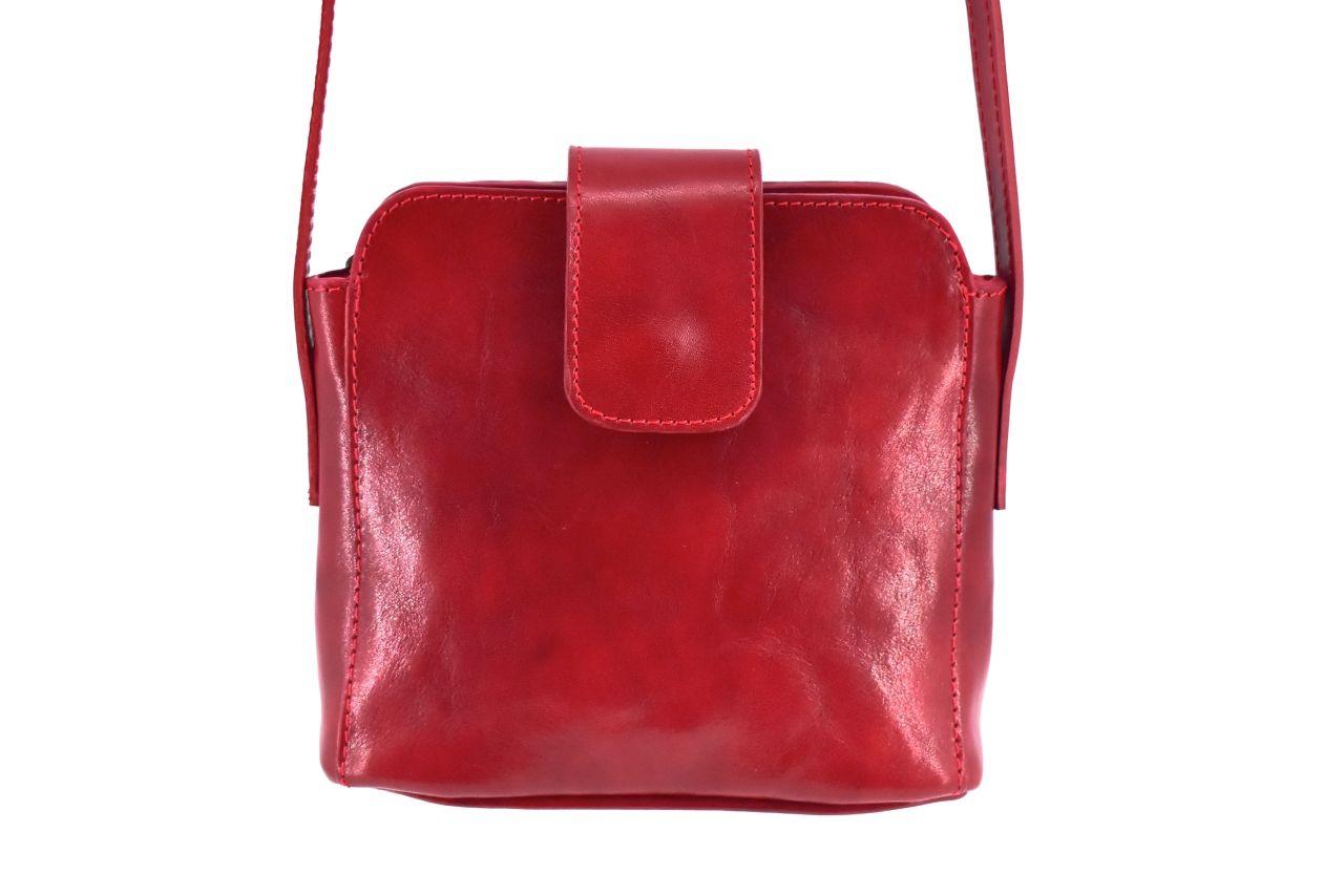 Dámská kožená crossbody kabelka s klopnou Arteddy - červená