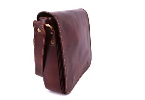 Kožená taška přes rameno crossbody s klopnou