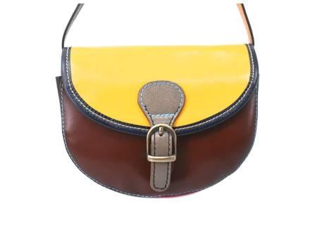 Dámská kožená crossbody kabelka s klopnou Arteddy