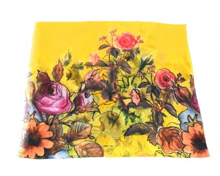 Dámský šátek s květovaným vzorem