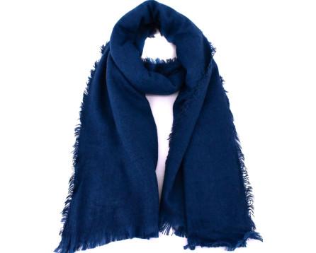 Moderní  jednobarevná šála - tmavě modrá